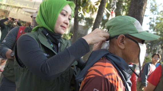 Gowes Bareng Gubernur, Jabar Bergerak Sosialisasi 3M dan Bagikan Masker