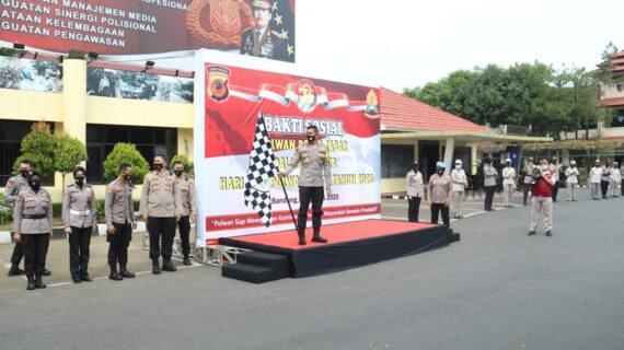 Polwan Polda Jabar dan Korps Wanita TNI Kerjasama Gelar Baksos : Bagikan 772 Paket Sembako