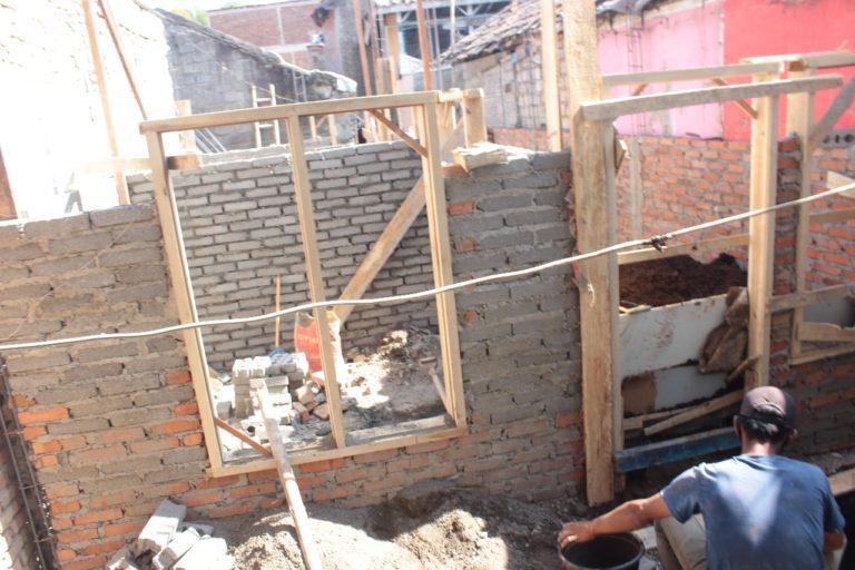 Suasana renovasi rutilahu di Kecamatan Andir (Foto : Dok. Humas Pemkot Bandung)