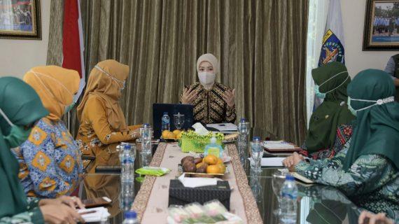 Atalia Praratya Ridwan Kamil: Di Tengah Pandemi, Posyandu Harus Tetap Dilakukan Dengan Protokol Kesehatan