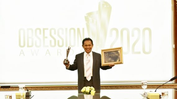 Rektor Unikom Raih Penghargaan sebagai Best University Leaders dalam Obsession Awards 2020